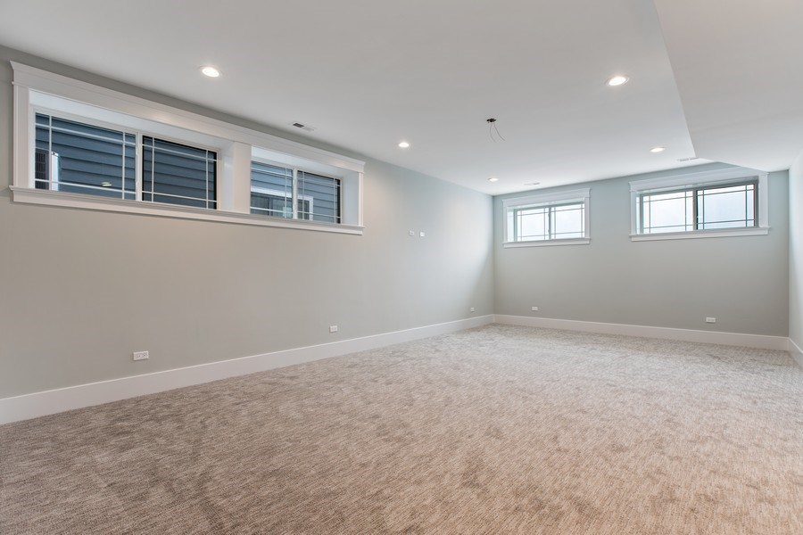Real Estate Photography - 1700 W Thorndale, Chicago, IL, 60640 - Lower Level