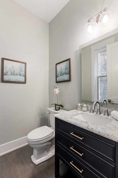 Real Estate Photography - 1700 W Thorndale, Chicago, IL, 60640 -