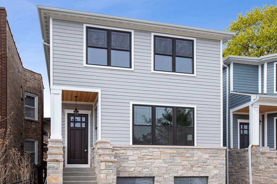 Real Estate Photography - 1700 W Thorndale, Chicago, IL, 60640 - Front View