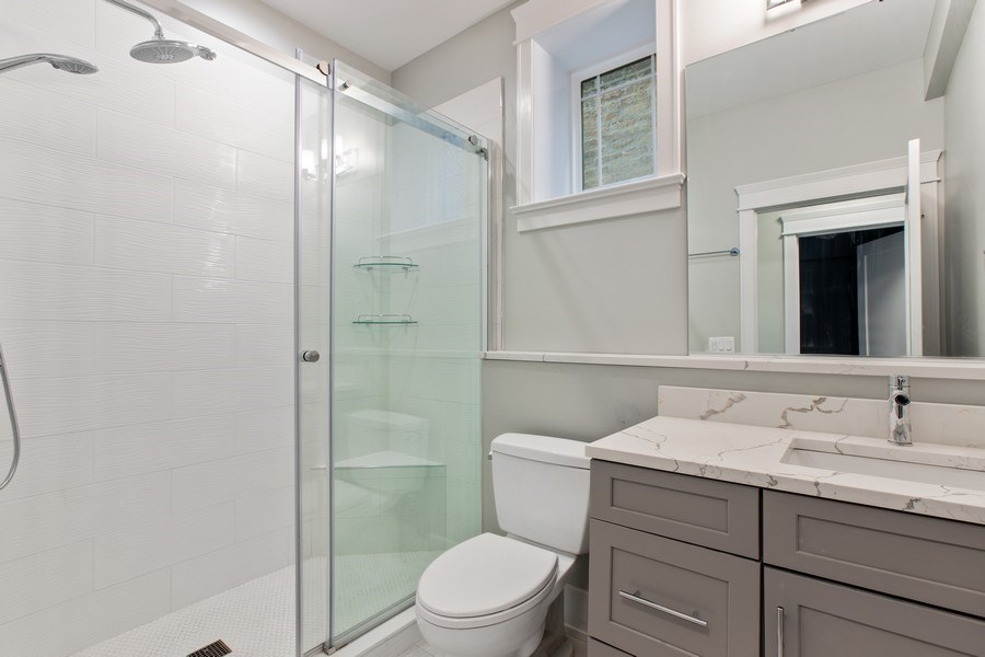 Real Estate Photography - 1700 W Thorndale, Chicago, IL, 60640 - 2nd Bathroom