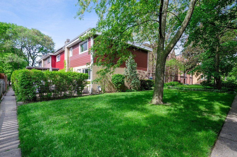 Real Estate Photography - 1217 Mulford, Evanston, IL, 60202 - Side View
