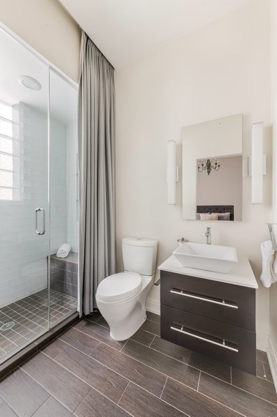 Real Estate Photography - 1708 W North Ave, C4, Chicago, IL, 60614 - Bathroom