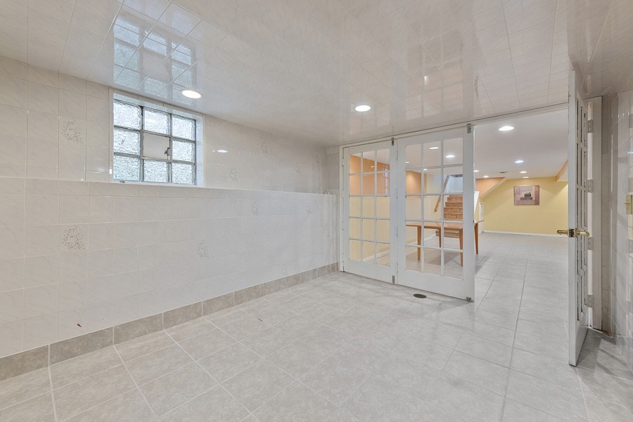 Real Estate Photography - 5898 N Elston Ave, Chicago, IL, 60646 - Room