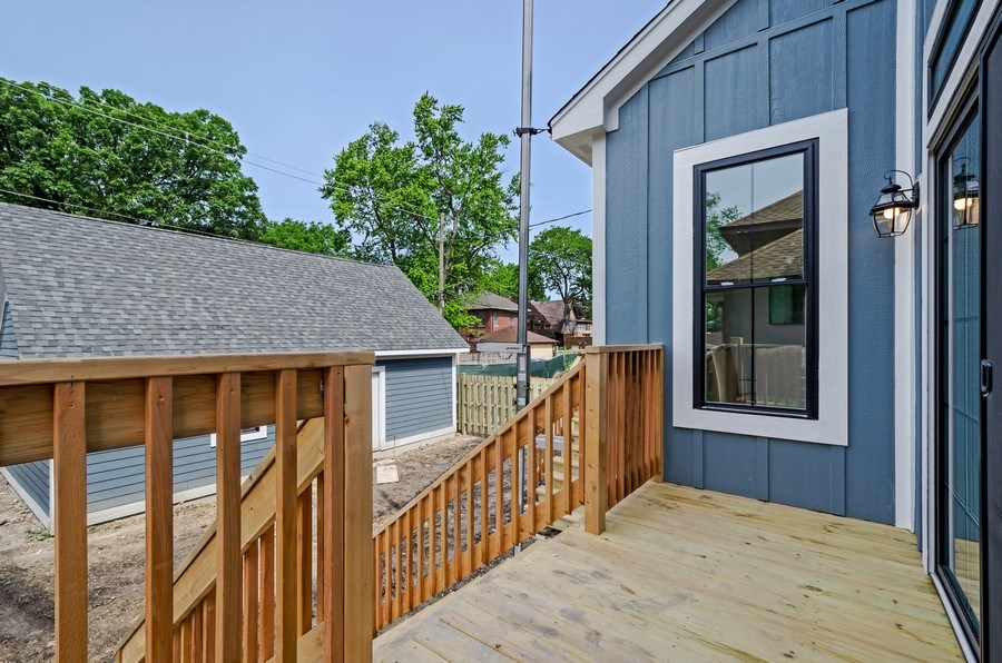 Real Estate Photography - 5822 N Kenneth, Chicago, IL, 60646 - Deck