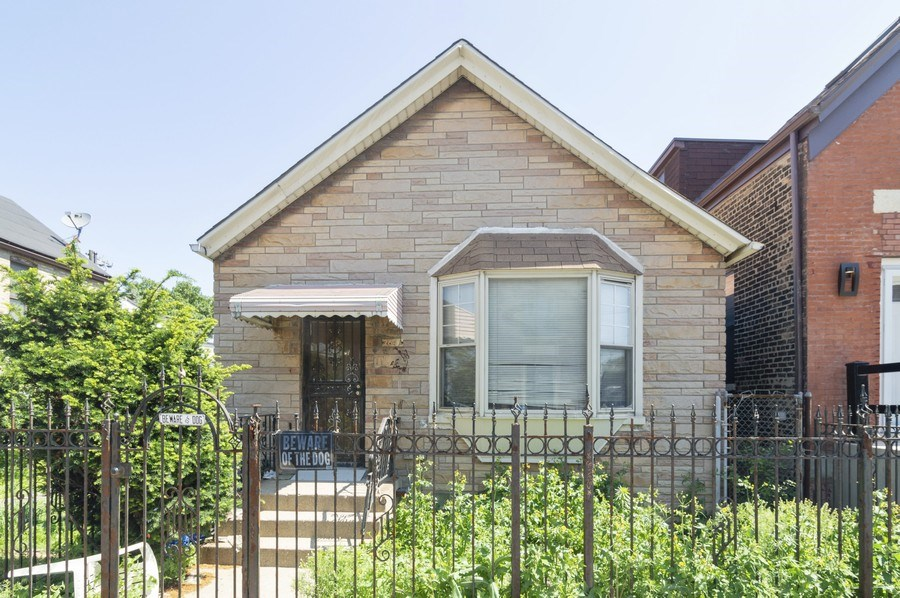Real Estate Photography - 2642 W Grand, Chicago, IL, 60612 - Front View