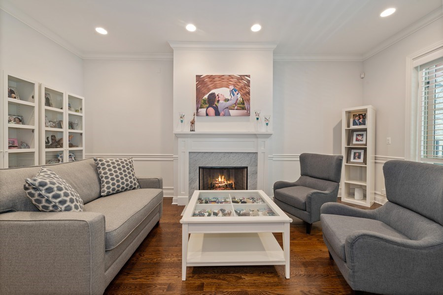 Real Estate Photography - 3841 Janssen Ave, Unit 1, Chicago, IL, 60613 - Living Room