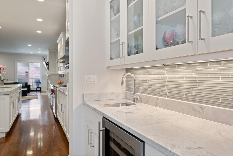 Real Estate Photography - 3841 Janssen Ave, Unit 1, Chicago, IL, 60613 - Butler's pantry