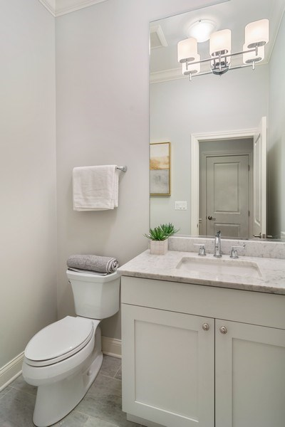 Real Estate Photography - 3841 Janssen Ave, Unit 1, Chicago, IL, 60613 - Half Bath