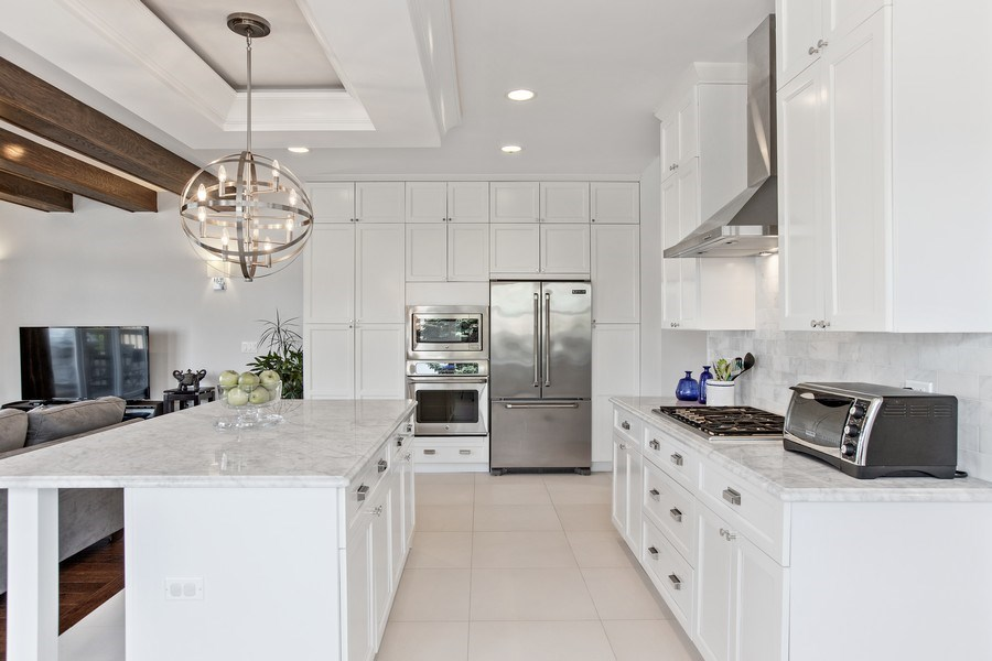Real Estate Photography - 7259 N Oriole Ave, Chicago, IL, 60631 - Kitchen