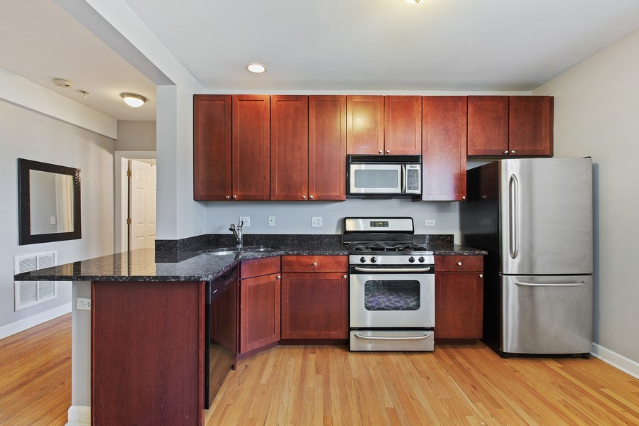 Real Estate Photography - 5148 Avers, Unit 3W, Chicago, IL, 60625 - Kitchen