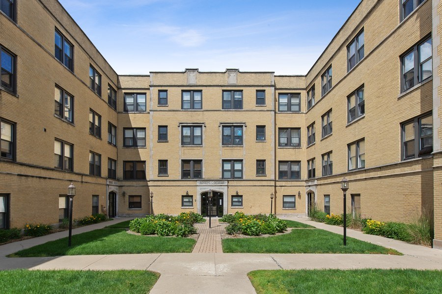 Real Estate Photography - 5148 Avers, Unit 3W, Chicago, IL, 60625 - Front View