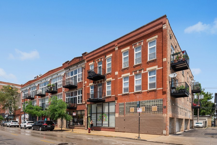 Real Estate Photography - 1907 N Milwaukee, #209, Chicago, IL, 60647 - Front View