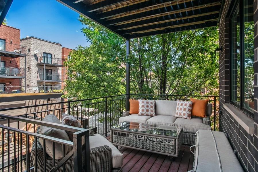 Real Estate Photography - 858 W Aldine, #2, Chicago, IL, 60657 - Deck