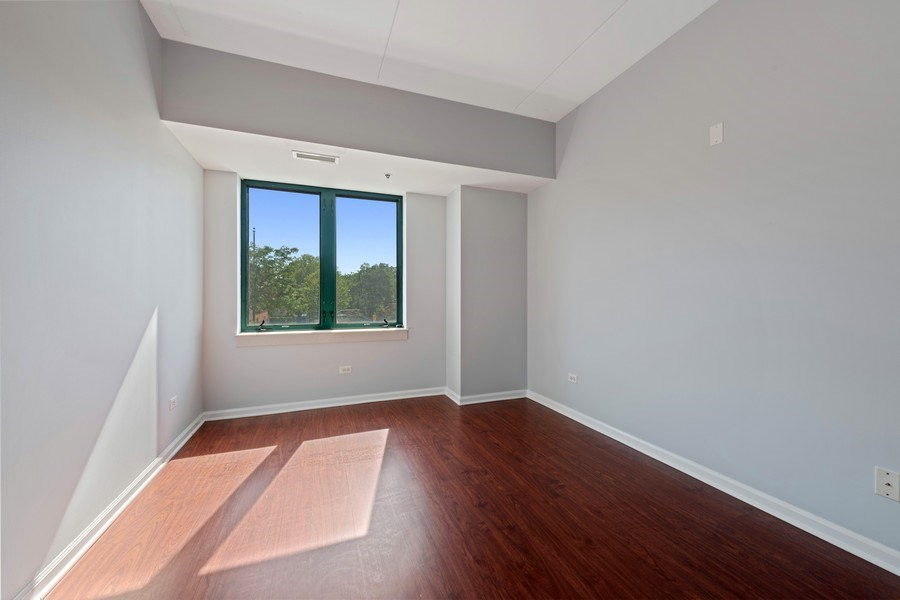 Real Estate Photography - 4848 N Sheridan, Unit 209, Chicago, IL, 60640 - 2nd Bedroom
