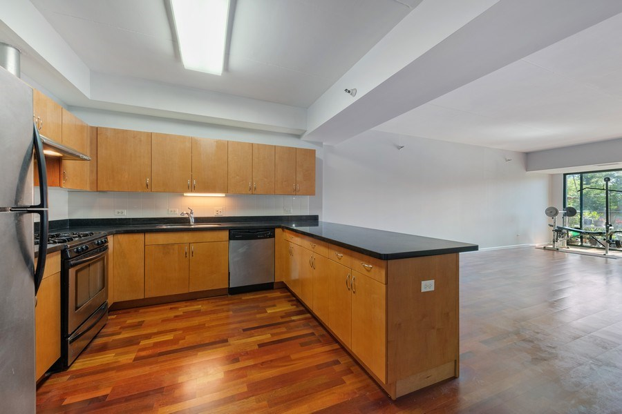 Real Estate Photography - 4848 N Sheridan, Unit 209, Chicago, IL, 60640 - Kitchen