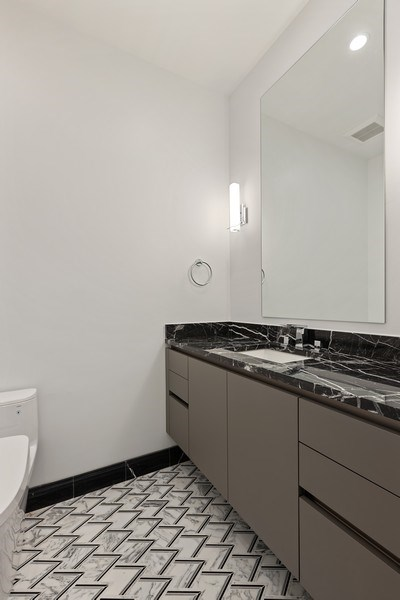 Real Estate Photography - 220 S Green St, 4S, Chicago, IL, 60607 -