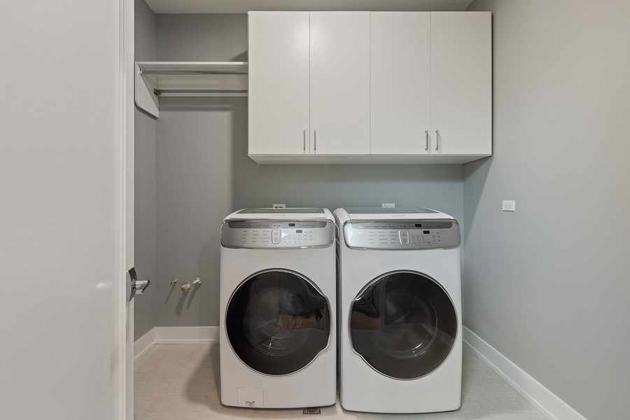 Real Estate Photography - 220 S Green St, 4S, Chicago, IL, 60607 - Laundry Room