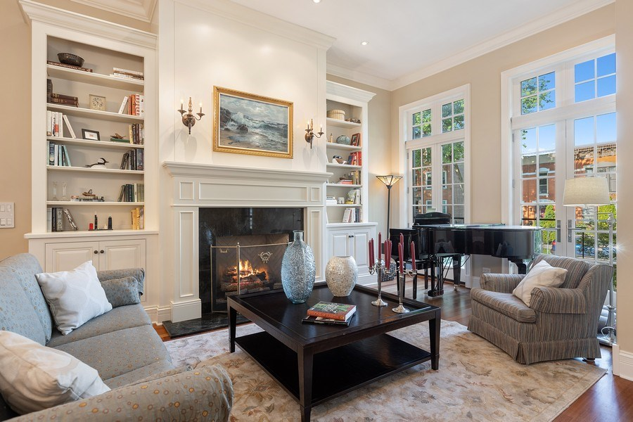 Real Estate Photography - 1321 N Bell, Chicago, IL, 60622 - Living Room