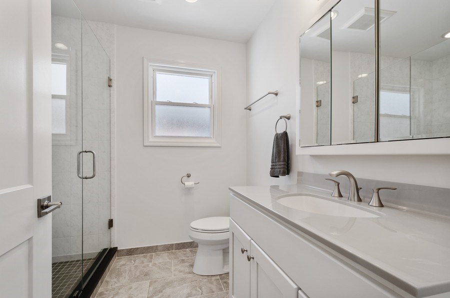 Real Estate Photography - 5850 N Virginia, Chicago, IL, 60659 - Master Bathroom