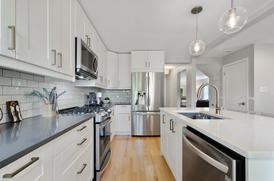 Real Estate Photography - 5850 N Virginia, Chicago, IL, 60659 - Kitchen