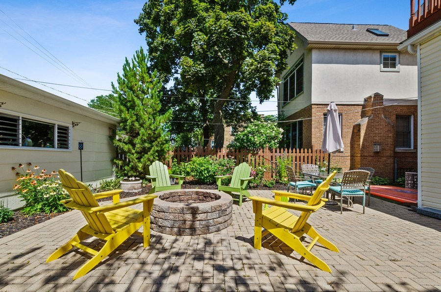 Real Estate Photography - 5850 N Virginia, Chicago, IL, 60659 - Back Yard