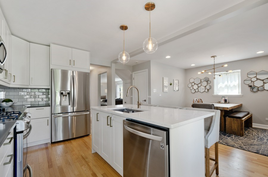 Real Estate Photography - 5850 N Virginia, Chicago, IL, 60659 - Kitchen/Dining