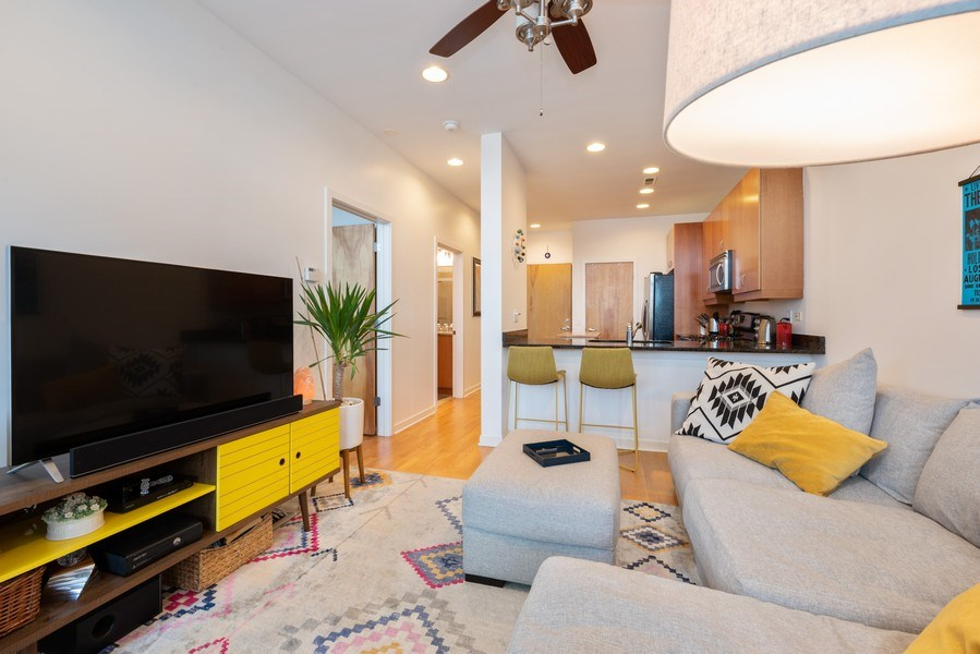 Real Estate Photography - 3946 N Ravenswood, #304, Chicago, IL, 60613 - Living Room