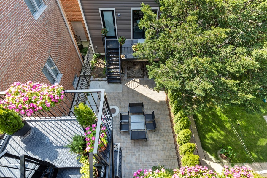 Real Estate Photography - 1827 W Melrose, Chicago, IL, 60657 - Patio