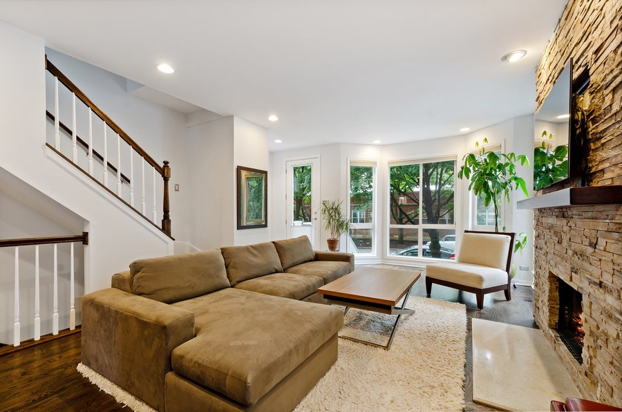 Real Estate Photography - 1768 W Thorndale, Chicago, IL, 60660 - Living Room