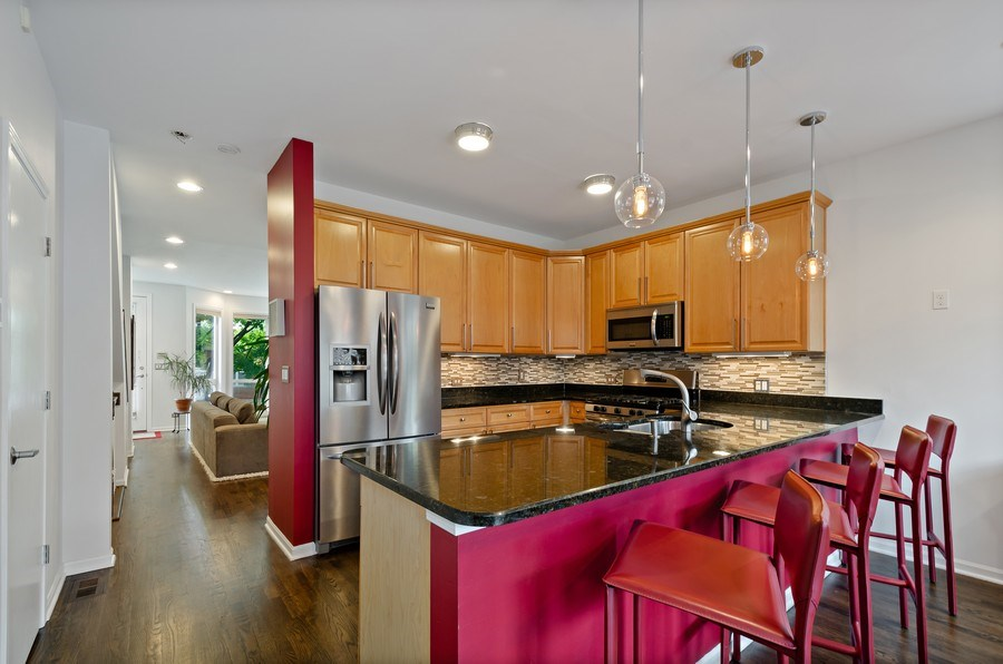 Real Estate Photography - 1768 W Thorndale, Chicago, IL, 60660 - Kitchen