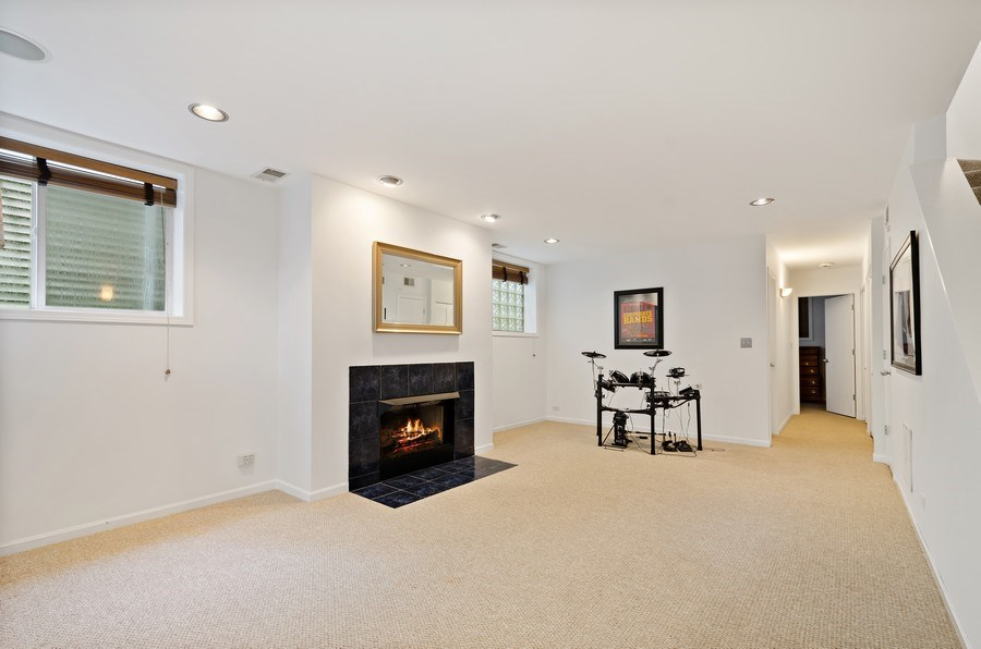 Real Estate Photography - 1768 W Thorndale, Chicago, IL, 60660 - Recreational Room