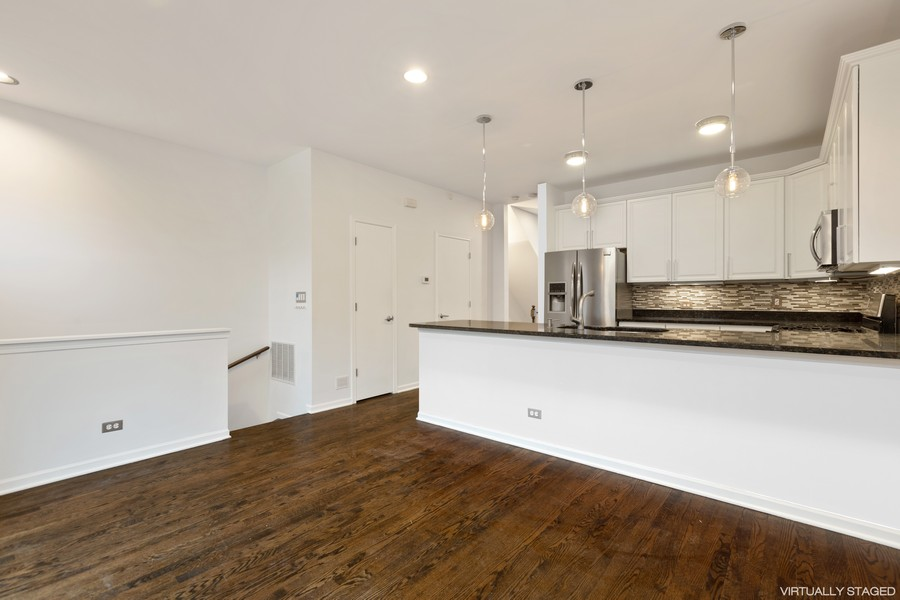 Real Estate Photography - 1768 W Thorndale, Chicago, IL, 60660 - Family Room / Kitchen