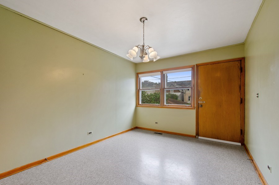Real Estate Photography - 4922 N Bell, Chicago, IL, 60625 - Breakfast Area