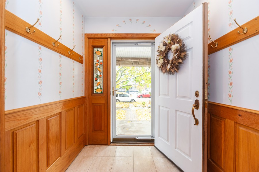 Real Estate Photography - 6308 N Sayre, Chicago, IL, 60631 - Foyer