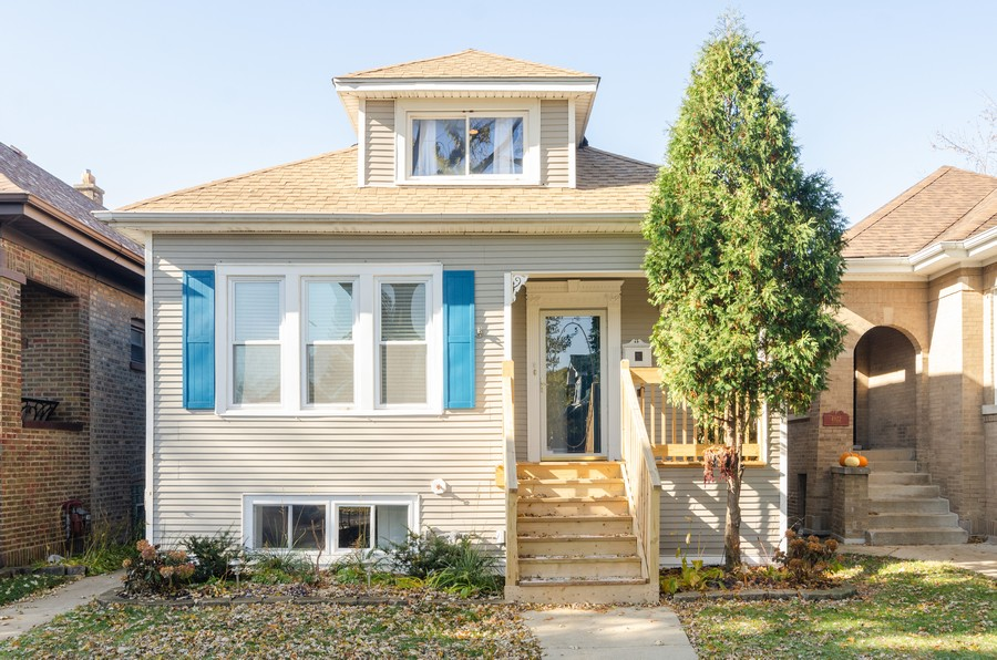 Real Estate Photography - 4918 N Kostner, Chicago, IL, 60630 - Front View