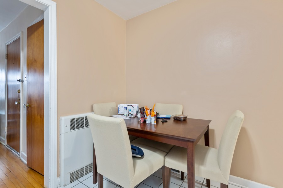 Real Estate Photography - 2819 W Balmoral, Unit 2W, Chicago, IL, 60625 - Dining Area
