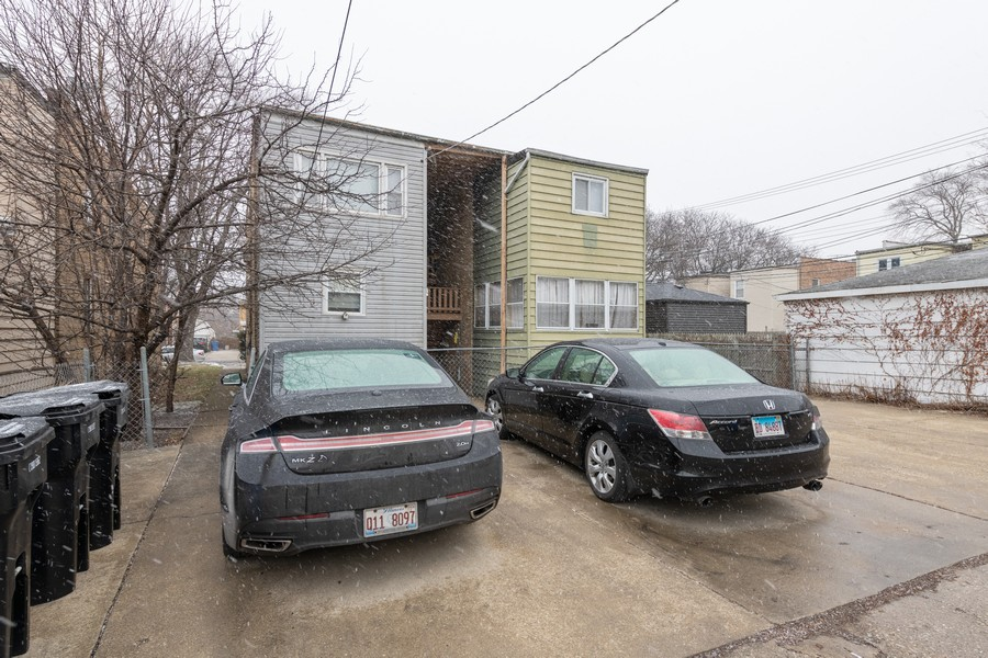 Real Estate Photography - 2819 W Balmoral, Unit 2W, Chicago, IL, 60625 - Rear View