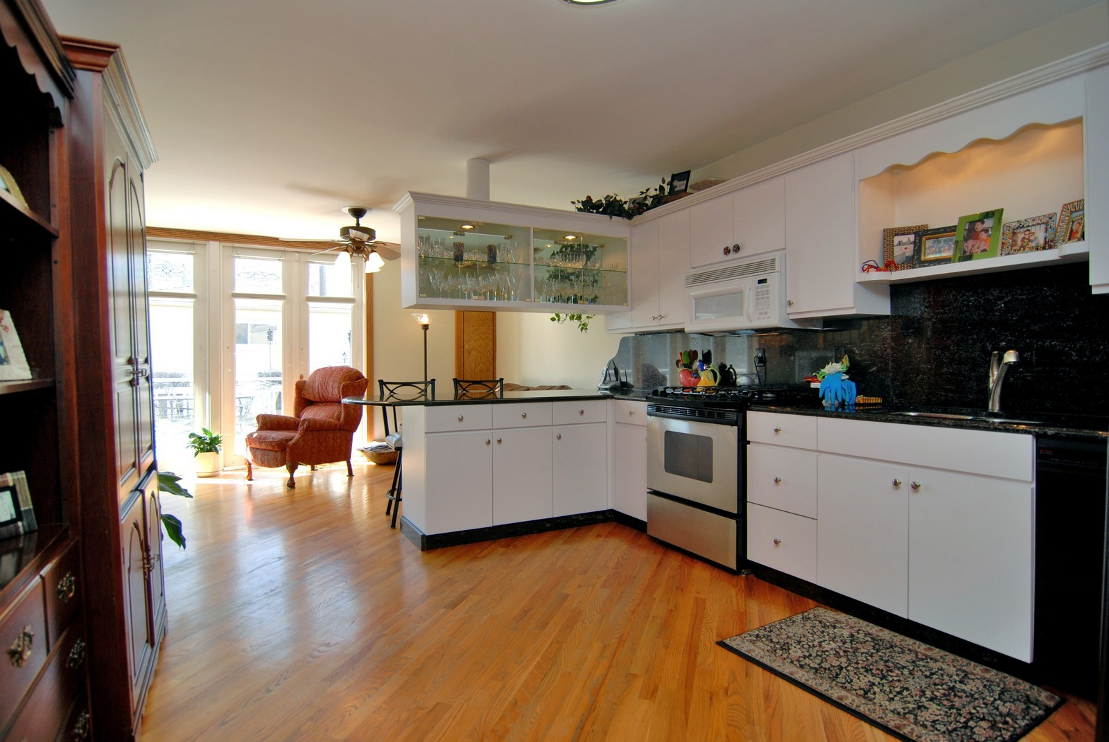 Real Estate Photography - 1834 N Marshfield, Chicago, IL, 60622 - Family Room / Kitchen