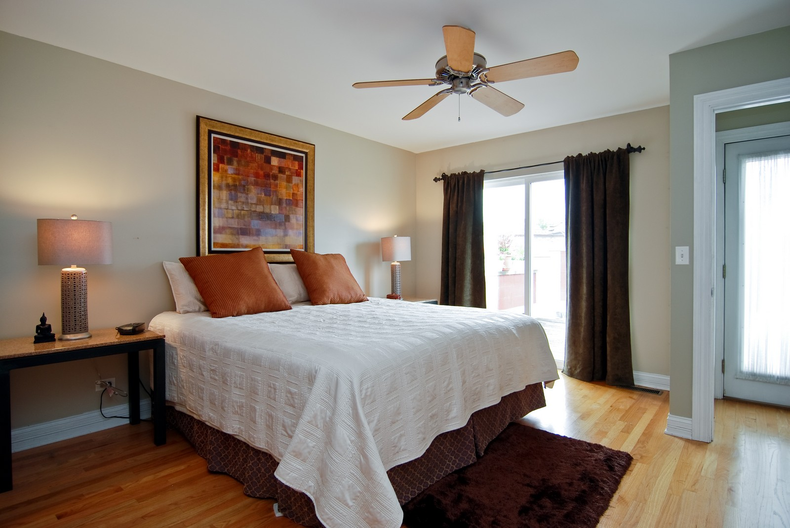 Real Estate Photography - 2901 N Lakewood, Unit E, Chicago, IL, 60657 - Master Bedroom