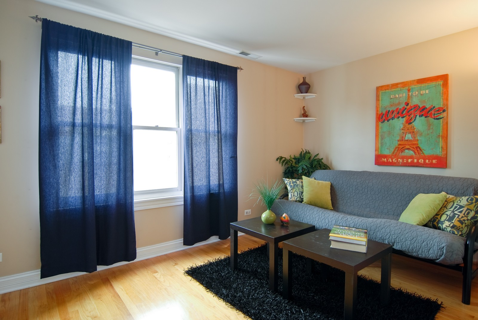 Real Estate Photography - 2901 N Lakewood, Unit E, Chicago, IL, 60657 - 3rd Bedroom