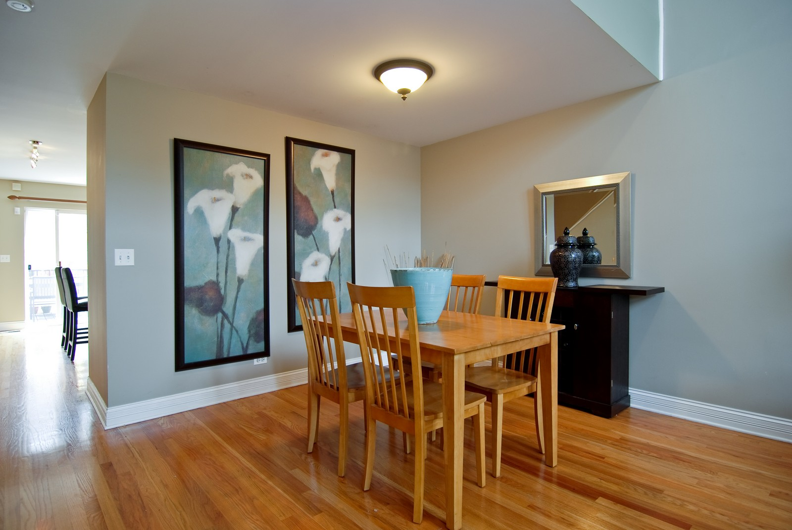 Real Estate Photography - 2901 N Lakewood, Unit E, Chicago, IL, 60657 - Dining Room