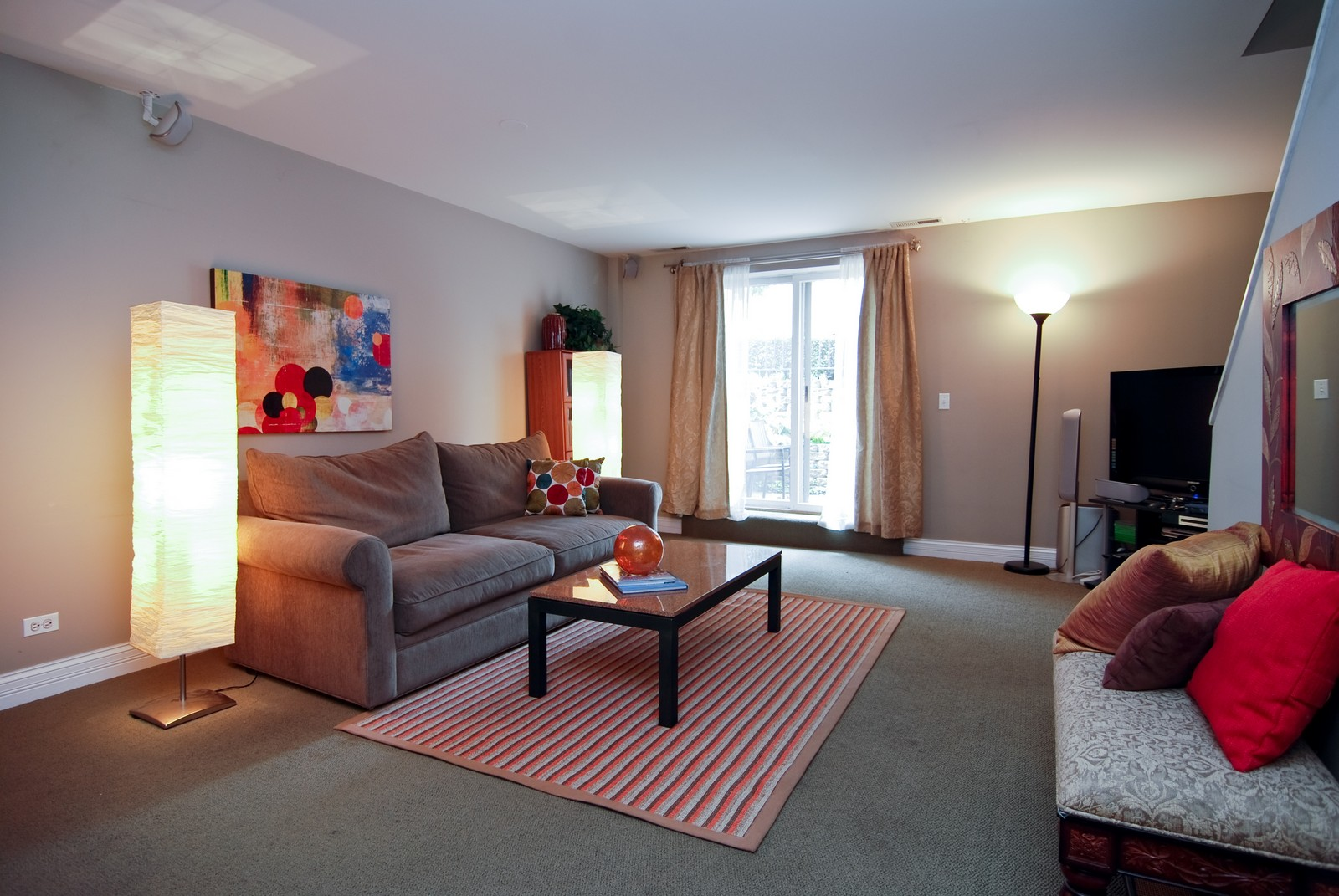 Real Estate Photography - 2901 N Lakewood, Unit E, Chicago, IL, 60657 - Family Room