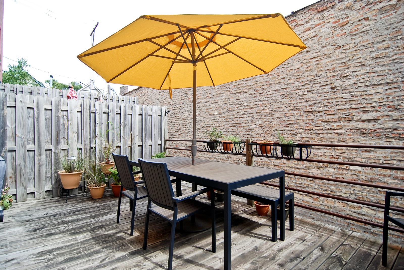 Real Estate Photography - 2901 N Lakewood, Unit E, Chicago, IL, 60657 - Deck