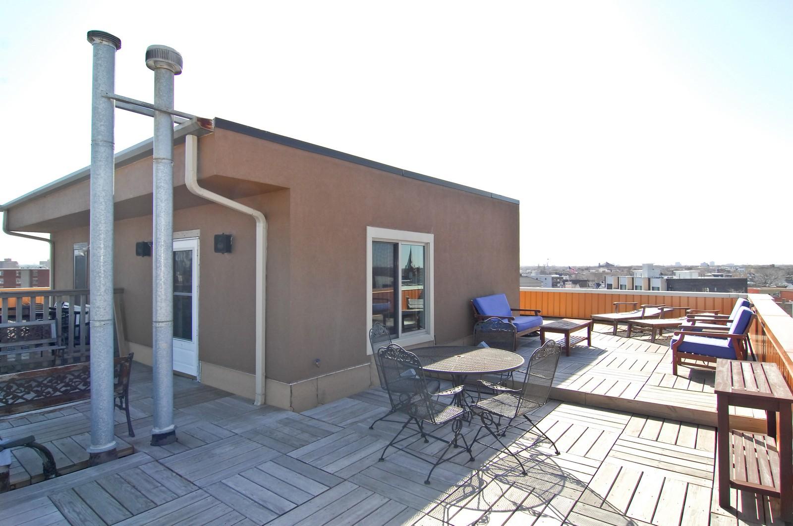 Real Estate Photography - 1865 N Winnebago, Unit 4, Chicago, IL, 60647 - Deck