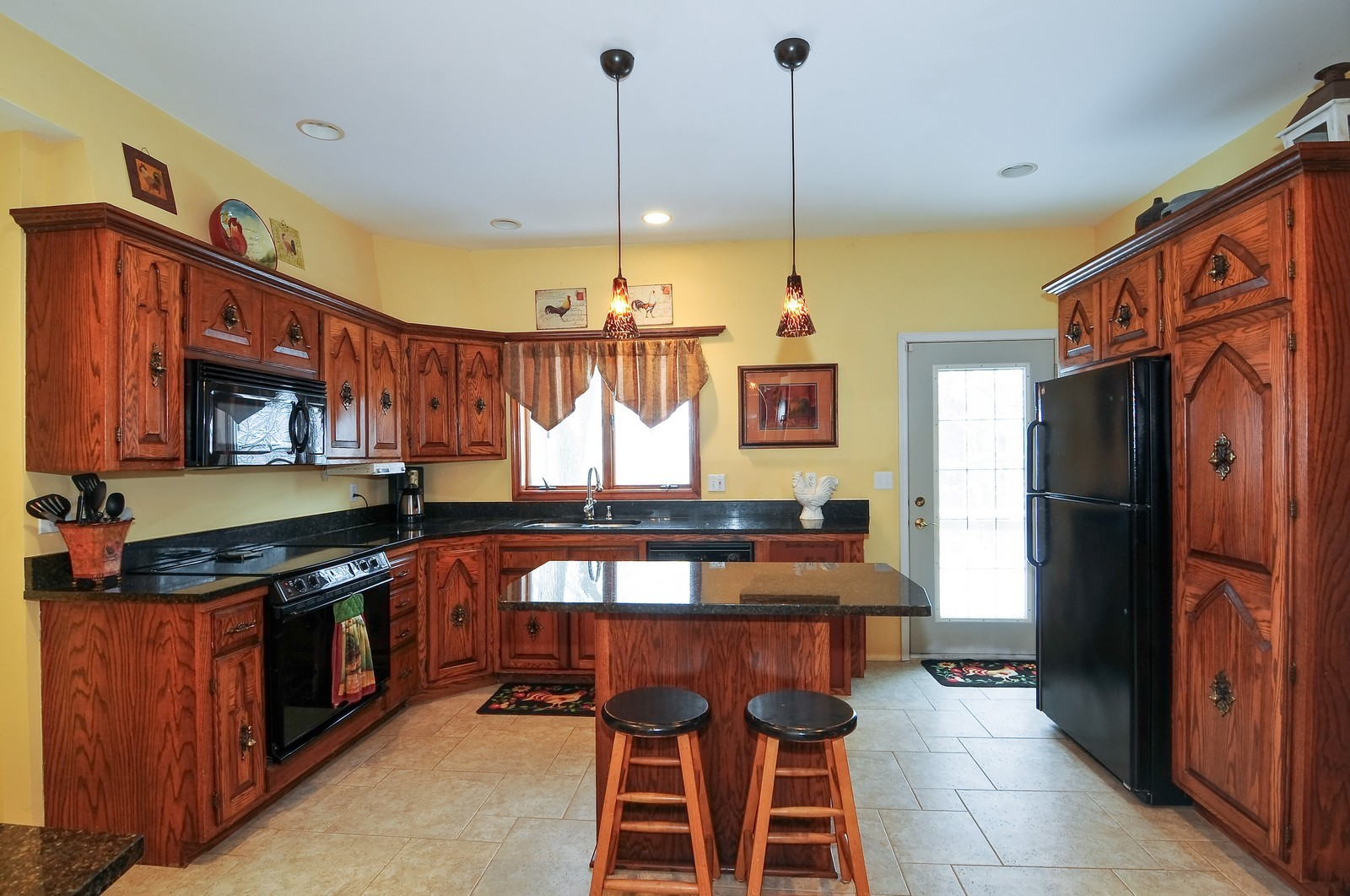 Real Estate Photography - 5171 Hilltop Ave N, Lake Elmo, MN, 55042 - Kitchen