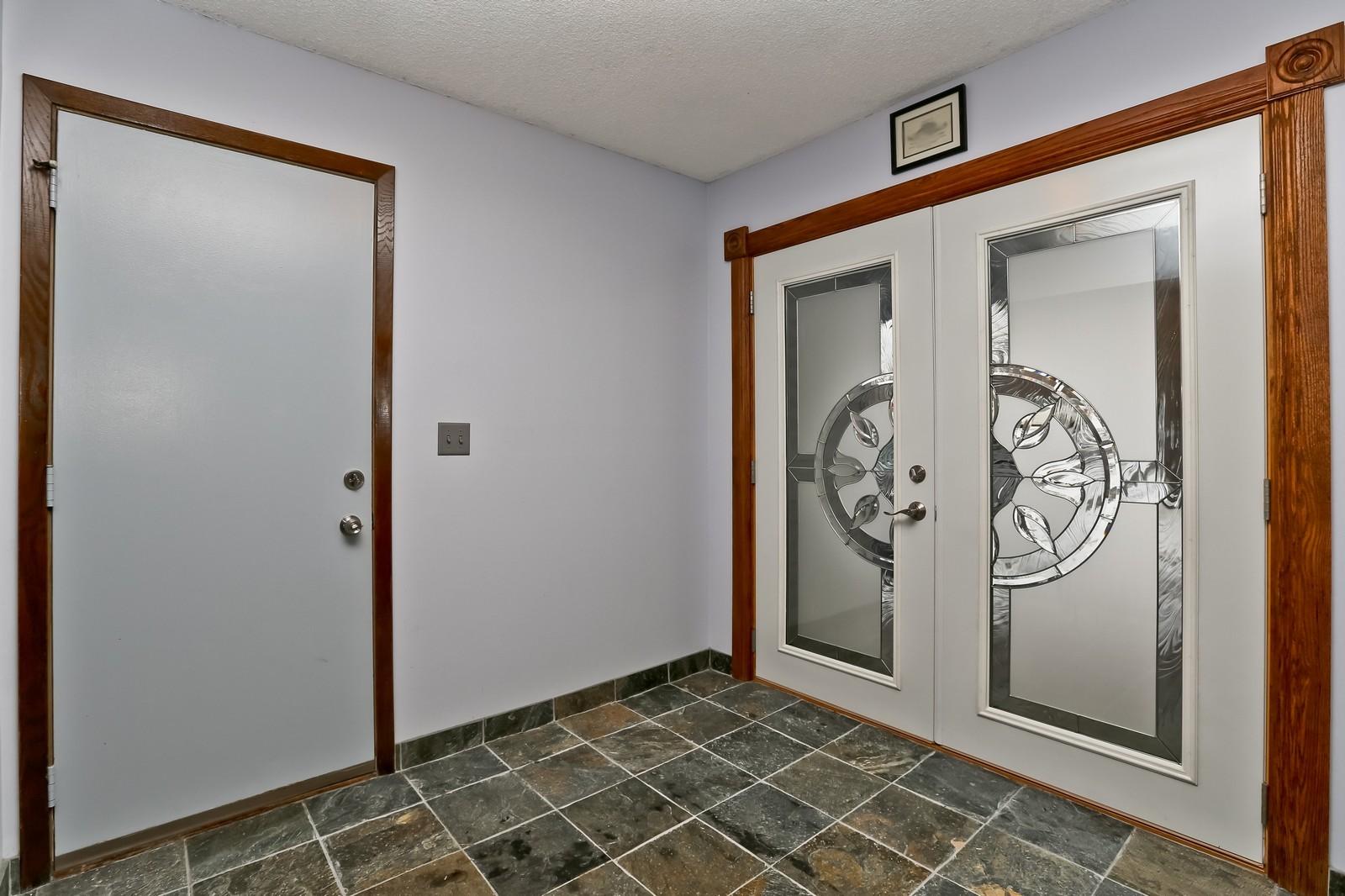 Real Estate Photography - 3250 Williams Lane, Minnetrista, MN, 55364 - Entryway