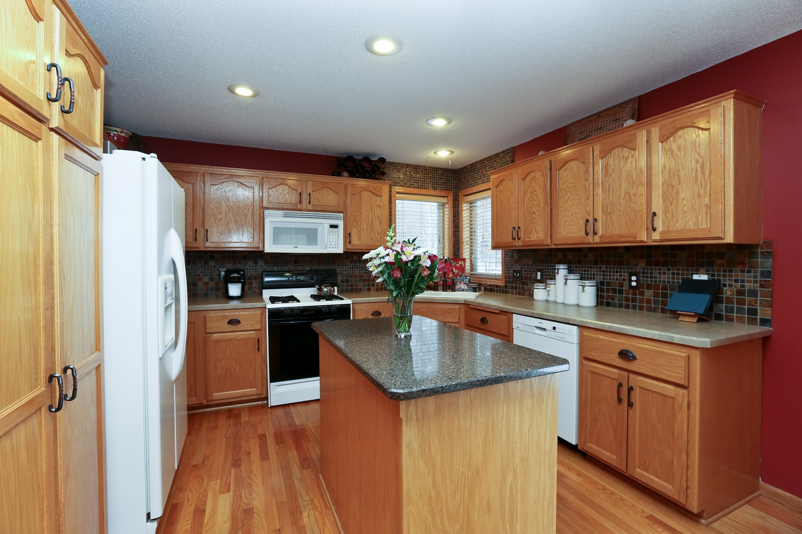 Real Estate Photography - 15488 Linnet Street NW, Andover, MN, 55304 - Kitchen