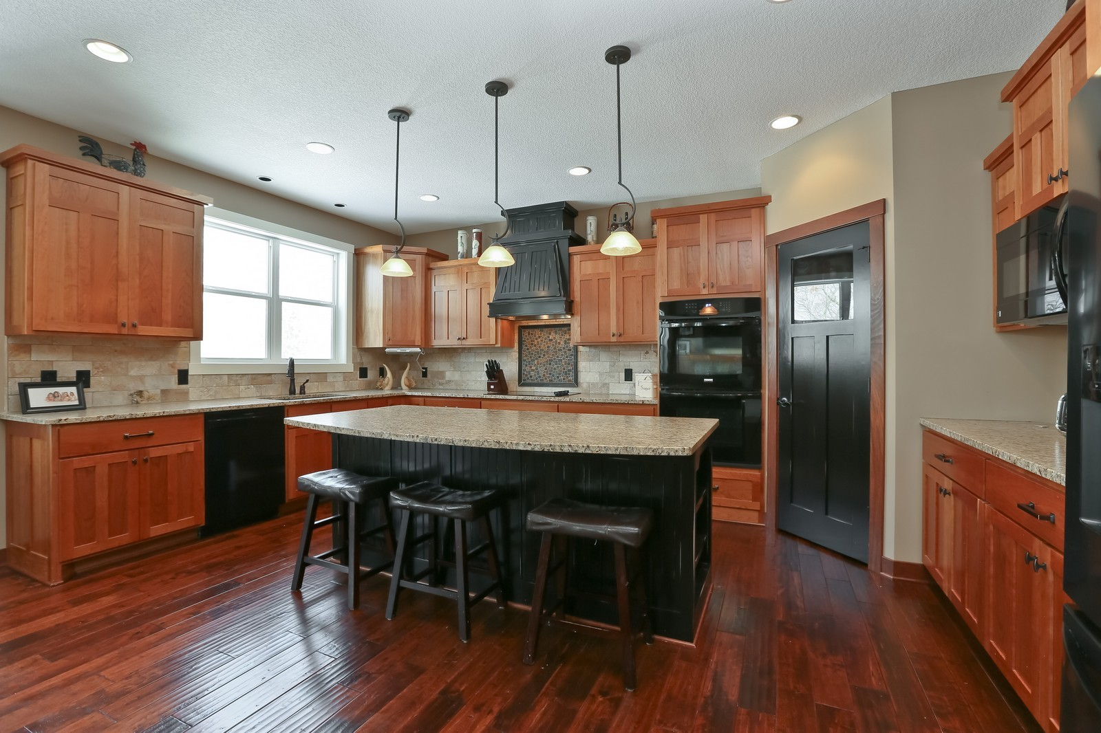 Real Estate Photography - 859 Fox Rd, Lino Lakes, MN, 55014 - Kitchen