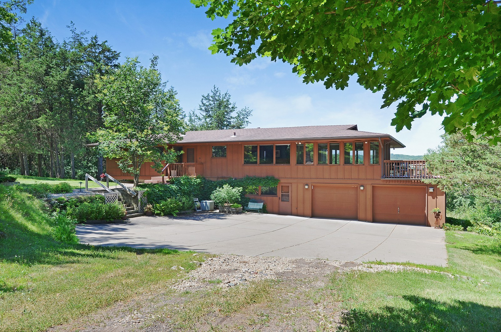 Real Estate Photography - N8885 1250th Street, River Falls, WI, 54022 - Front View