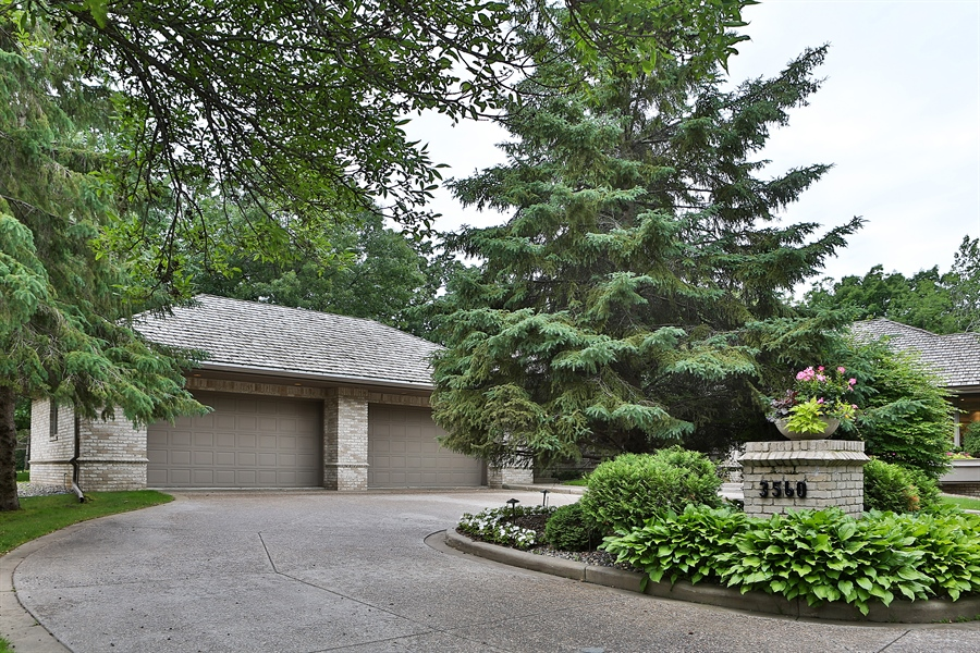 Real Estate Photography - 3560 Fairway Court, Minnetonka, MN, 55305 - Front View